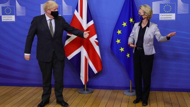 El primer ministro británico, Boris Johnson, y la presidenta de la Comisión Europea, Ursula von der Leyen.