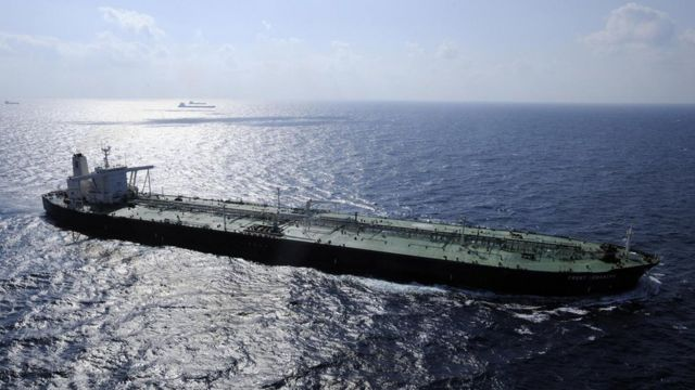 tanker, kapal tanker, kapal minyak, fossil fuel, bahan bakar minyak, energi terbarukan, energi ombak, energi gelombang