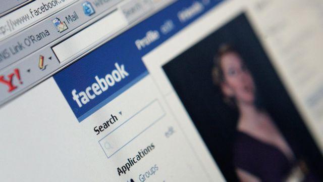 Página de Facebook.