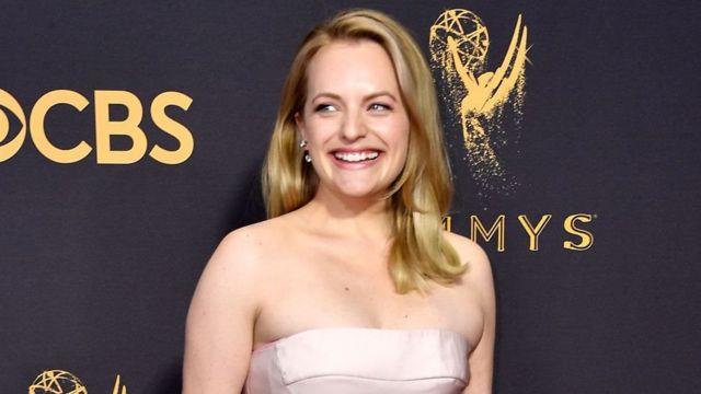 Elisabeth Moss di Emmy 2017