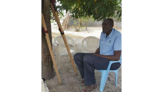 Baraka Elias a dit que les médecins envisagent de l'évacuer à l'étranger, faute d'équipements médicaux adaptés à sa taille.