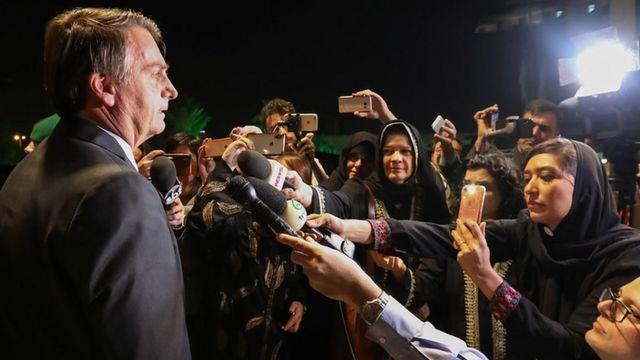 bolsonaro concede entrevista em Riade
