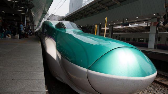 日本的高速子弹火车