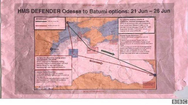 İngiltere Savunma Bakanlığı'na ait gizli belgeler otobüs durağında bulundu  - BBC News Türkçe