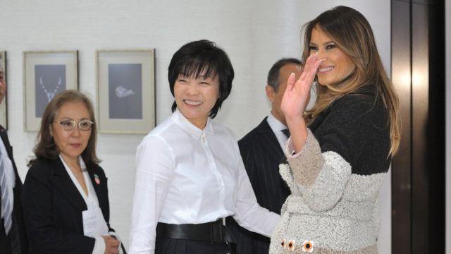 梅拉尼婭·特朗普(右)與安倍昭惠(中)(5/11/2017)