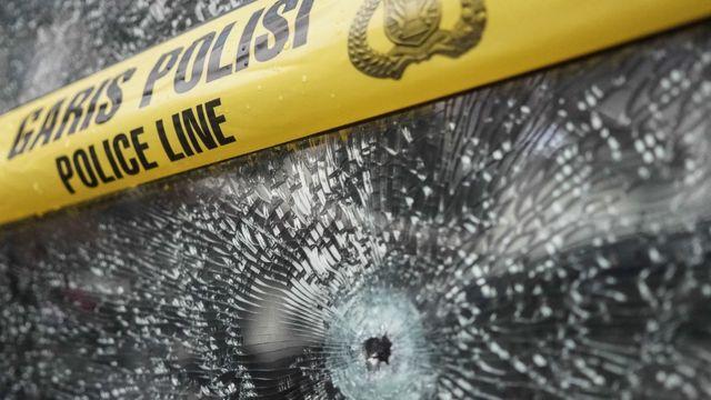 Penembakan yang berawal dari saling serempet kendaraan pernah beberapa kali terjadi.