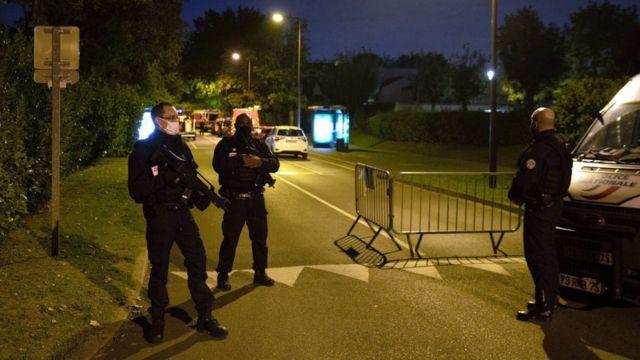 پلیس از مردم خواسته به محل حادثه نزدیک نشوند