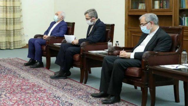 در اولین دیدار خارجی ابراهیم رئیسی، علی باقری (وسط) در کنار وزیر خارجه فعلی ایران
