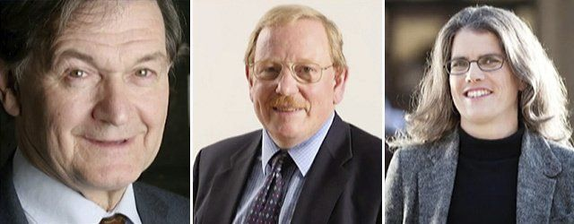 De izquierda a derecha: Roger Penrose, Reinhard Genzel y Andrea Ghez.