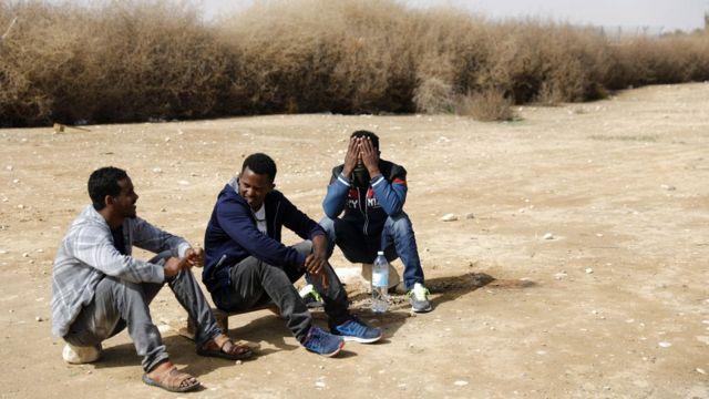مهاجرون أفارقة في مخيم للمهاجرين في جنوبي إسرائيل