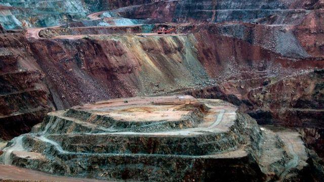 La industria minera mexicana pide al gobierno que considere al sector como una de las actividades esenciales y autorice su reactivación.