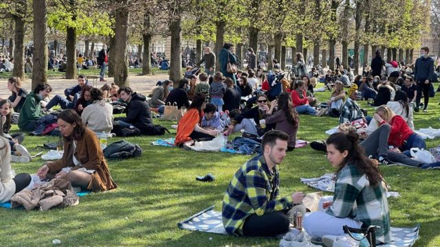 People in Luxembourg Park