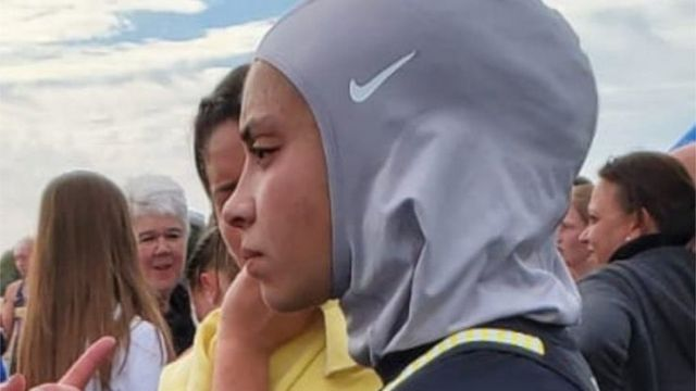 Noor wearing her Nike hijab for the race