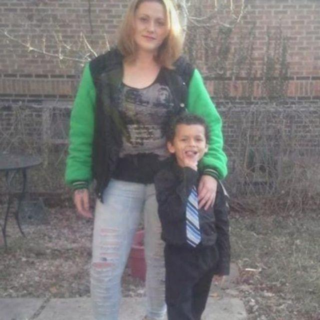 Leia Pierce com seu filho, Jamel Myles