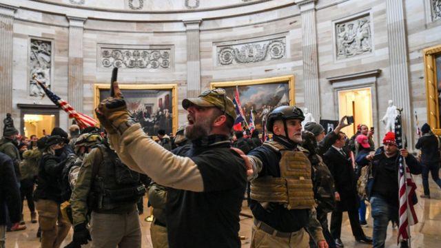 Manifestantes pro Trump en el Capitolio