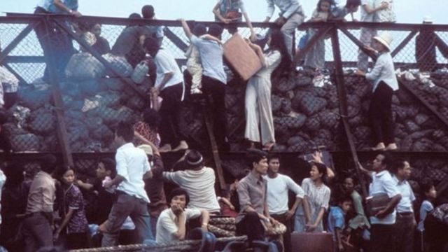 Người dân tìm cách chạy khỏi Sài Gòn ngày 29/4/1975