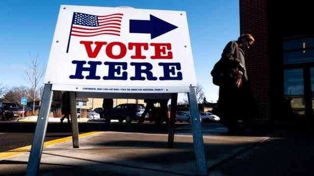 У США розпочалися президентські вибори. Коли чекати на результати