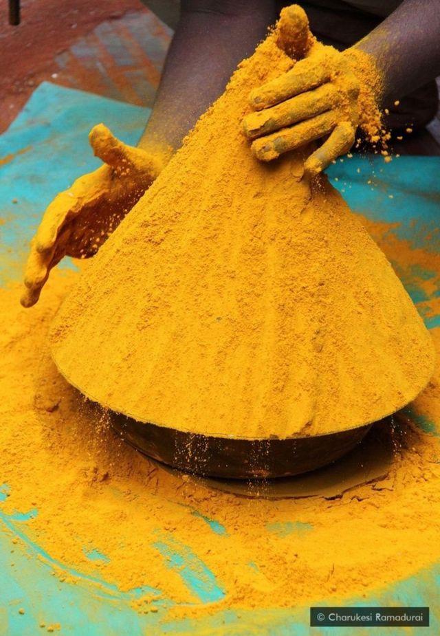 இந்திய கலாசாரத்தில் கணிசமான பங்கை மஞ்சள் பிடித்திருக்கிறது
