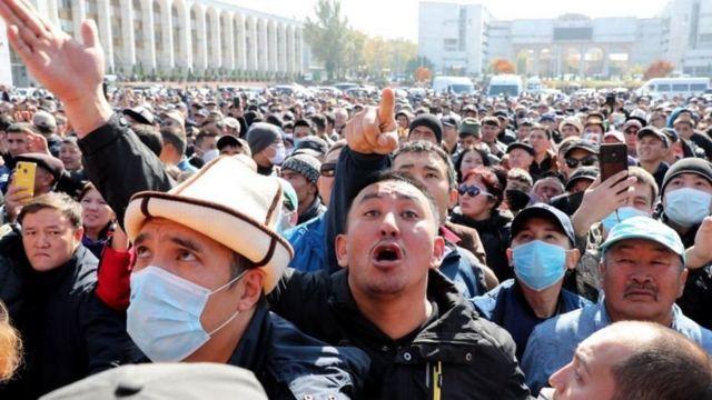 معترضان در روزهای گذشته پارلمان و چند ساختمان دولتی را تصرف کردند