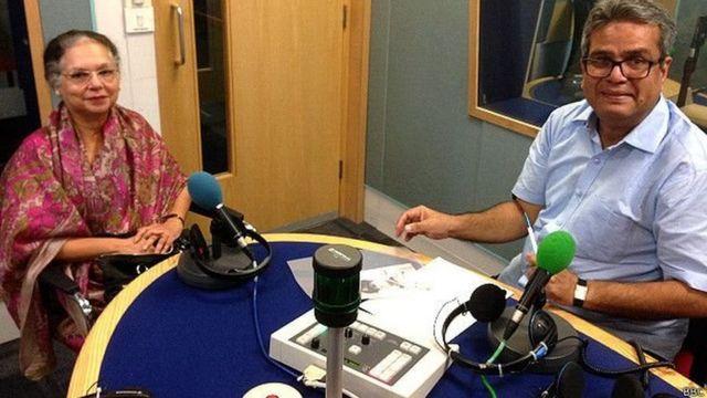 बीबीसी स्टूडियो में जहांगीर इंजीनियर की बेटी फ़रीदा सिंह के साथ रेहान फ़ज़ल.