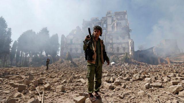Un rebelle houthi à Sanaa, la capitale du Yemen.