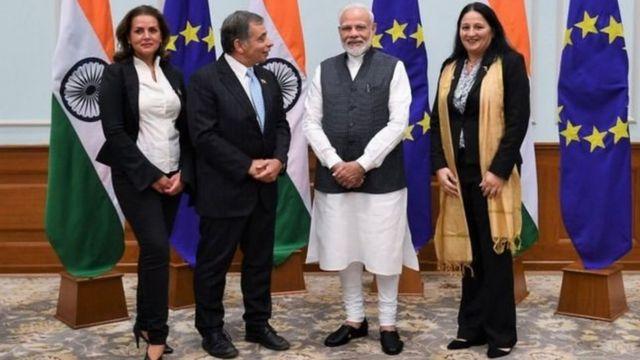 ماڈی شرما انڈیا کے وزیر اعظم نریندر مودی کے ساتھ