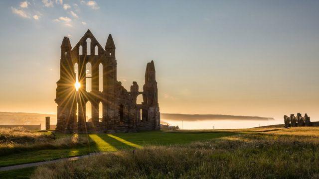 Развалины аббатства Уитби