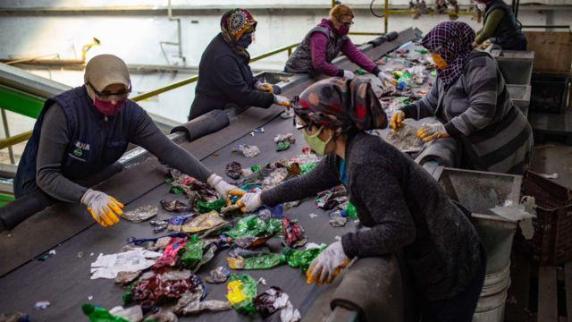Türkiye'de atıkların ayrıştırıldığı yasal ve yasa dışı çok sayıda nokta bulunuyor.