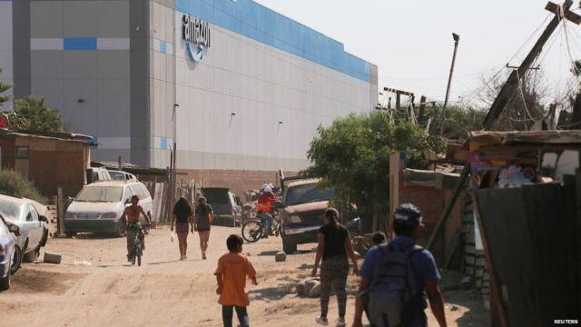 मैक्सिको में अमेज़ॉन का एक गोदाम, तिजुआना