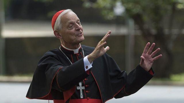 Nadbiskup Donald Verl