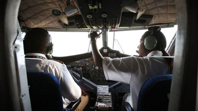 Femme pilote de la compagnie aérienne Air Kenya