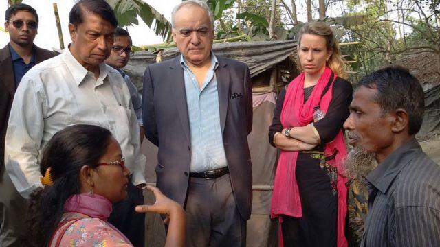 জাতিসংঘ কমিশনের সদস্যরা কথা বলছেন রোহিঙ্গা শরণার্থীদের সঙ্গে