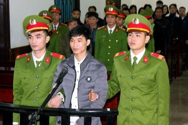 Ông Nguyễn Văn Hóa bị cáo buộc kích động các cuộc biểu tình chống chính quyền qua các bài đăng trên Facebook.
