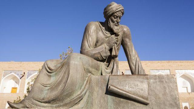 Estátua de Al-Khwarizmi