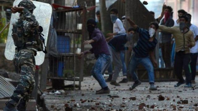 காஷ்மீர் மக்கள் போராட்டம்