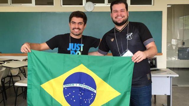 Gabriel e Francisco durante a competição da IMO
