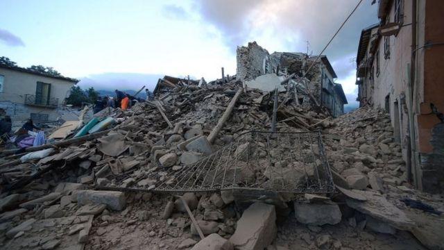 アマトリーチェでは多くの建物が崩れた