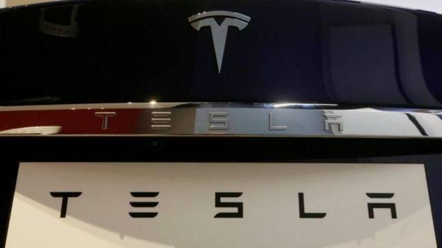 Frente de veículo fabricado pela Tesla