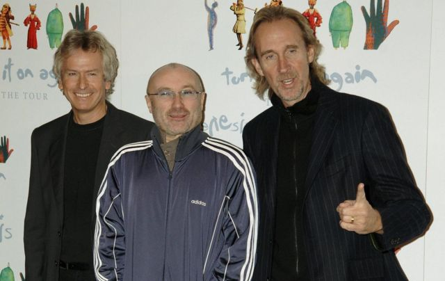 Genesis: Тони Бэнкс, Фил Коллинз и Майк Резерфорд объявляют о начале казавшегося тогда последним тура Turn It On Again. Отель Mayfair, Лондон, 7 ноября 2006 г.