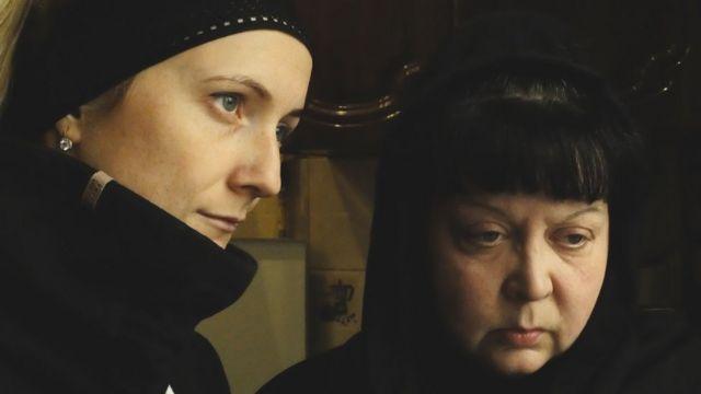 Вдова и мать Романа Сарычева