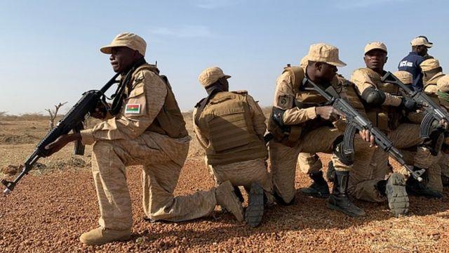 Burkina Faso : au moins 15 civils été tués dans une attaque - BBC News  Afrique