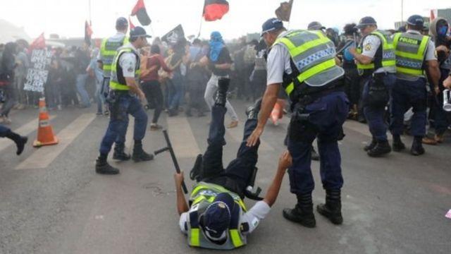محتجون برازيليون