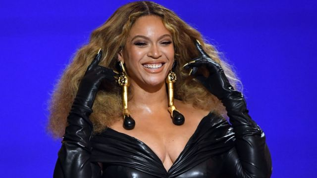 Beyoncé en los Grammy 2021