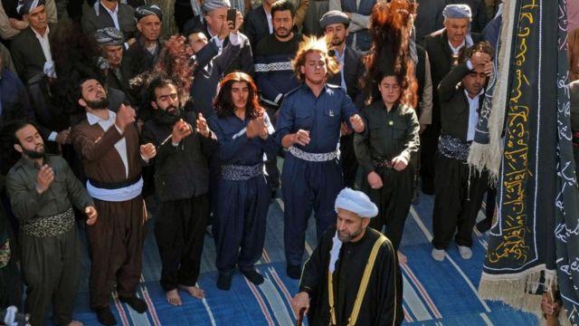 احتفال أكراد العراق من أتباع الصوفية بالمولد النبوي في عقرا في إقليم كردستان