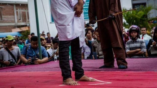 Pencambukan di Aceh