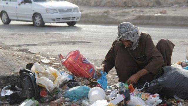 از سال ۱۳۸۶ به بعد گزارشی از آمار رسمی درباره تعداد افراد زیر خط فقر ایران اعلام نشده است