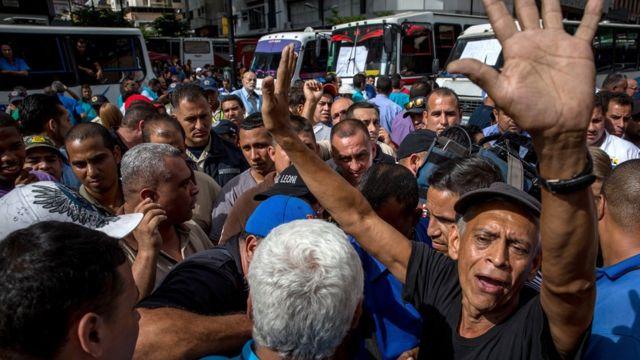 Buseros protestan en Caracas