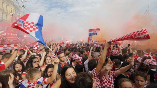 Croatia fans watch a public broadcast of the World Cup final in the Croatian capital Zagreb, 15 July 2018