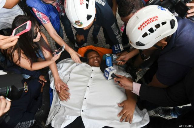 Morales foi entrevistado durante a operação para retirá-lo de casa