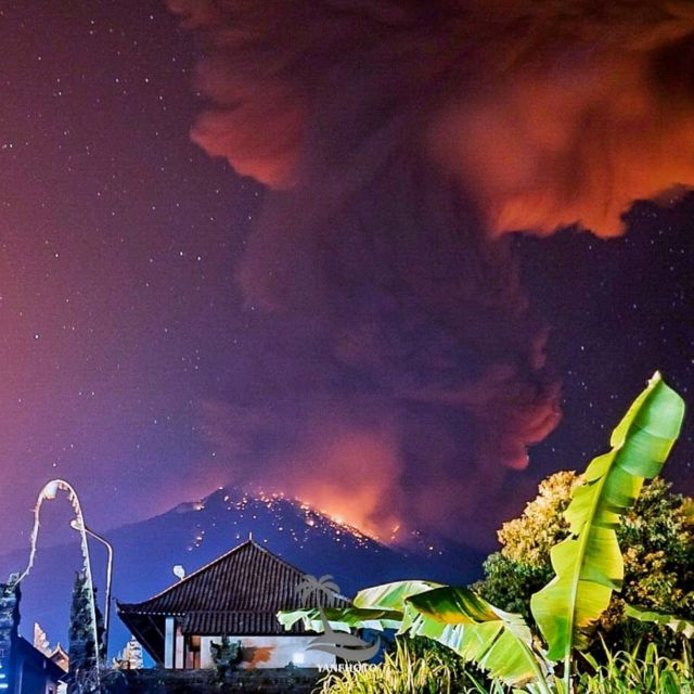 Mount Agung: Flights resume after Bali volcano disruption